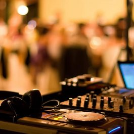 DJ Services - Standard Set Up - Pic 1 - Chicagoland Event Rentals - Wheaton - www.ChicagolandEventRentals.com