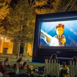 Movie Screen Premium - 11′ x 20′ Inflatable Screen - Pic 1 - Chicagoland Event Rentals - Wheaton - www.ChicagolandEventRentals.com